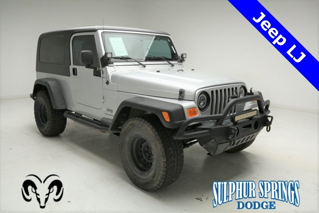 Pre-Owned 2004 Jeep Wrangler Sport